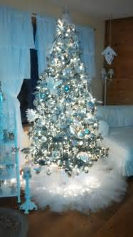 love the tulle w lights for tree skirt it s very quot dressy