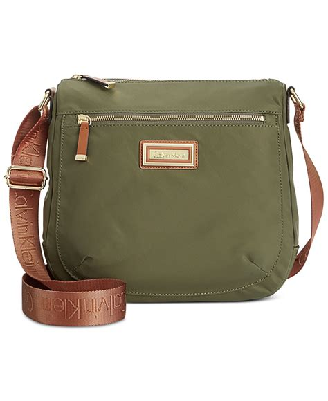 Filma Signature Olive Pouch 2 L calvin klein messenger bag in green lyst