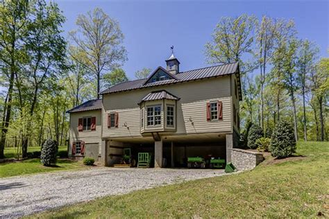 rustic woods preserve a family or corporate retreat