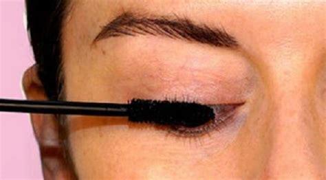 Maskara Biasa 5 trik memakai eyeliner dengan tepat lifestyle liputan6
