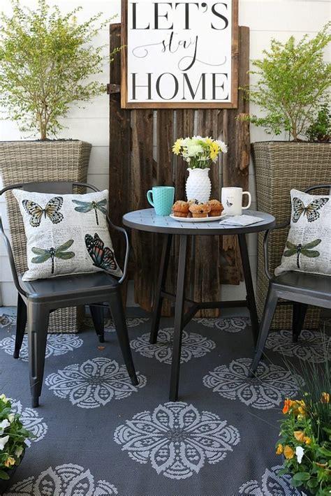 Farmhouse Patio Furniture by Farmhouse Porch Furniture Refresh Restyle