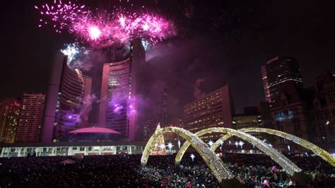 toronto new years fireworks where to new year s fireworks in the toronto area ctv toronto news