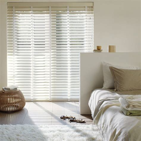 white bedroom blinds 1000 images about wooden venetian blinds on pinterest hunter douglas how to paint