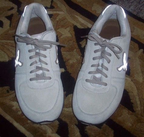 american eagle outfitters beige suede tennis shoes