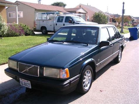 purchase   volvo   door sedan great condition forest green ext charcoal int