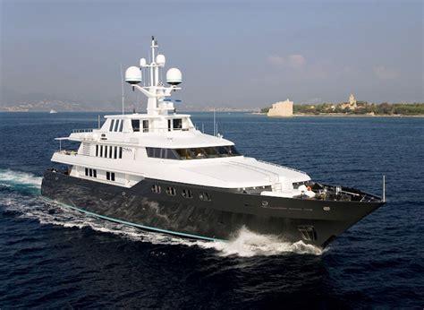 motor yacht cyan yacht cyan codecasa charterworld luxury superyacht charters