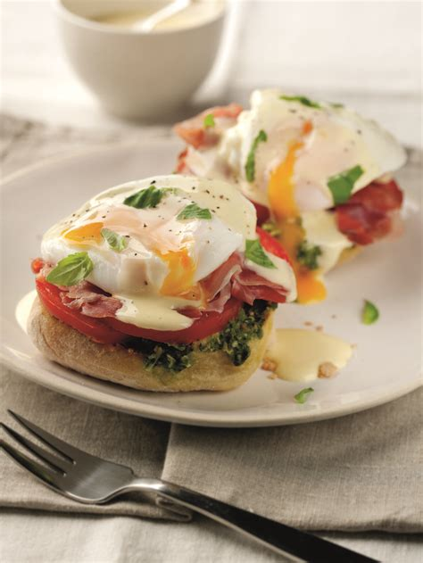Classic Eggs Benedict Two Ways Beginner And Expert by 1000 Ideas About Sandwich Buffet On Ham