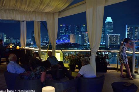 roof top bar in singapore the lighthouse restaurant rooftop bar the fullerton