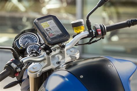 Navi Von Bmw F R Motorrad by The Bmw Motorrad Smartphone Cradle Is Outrageously