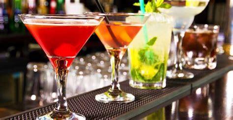 alcoholic drinks at a bar 20 cocktail bar a roma la classifica assoluta dei migliori