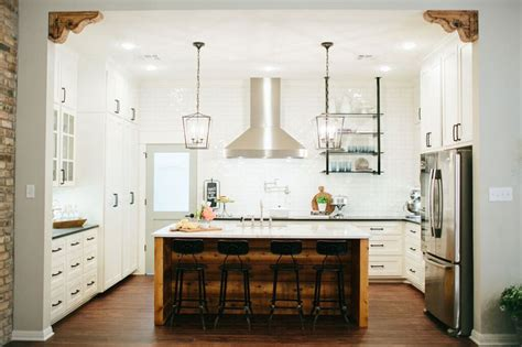 Colorful Backsplash by How To Add Quot Fixer Upper Quot Style To Your Home Kitchens