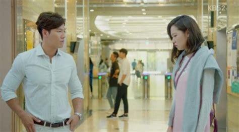 Kemeja Yves Laurent Penilan Gong Hyo Jin Di Producers Dipuji Designer