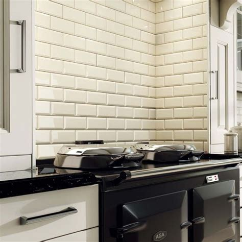 bevel brick white is a white gloss bevel edge wall tile by 163 9 50 m2 www ceramicplanet co uk 10x20cm bevel brick cream