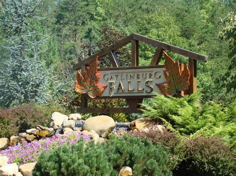 gatlinburg falls resort log cabin rental cabins in
