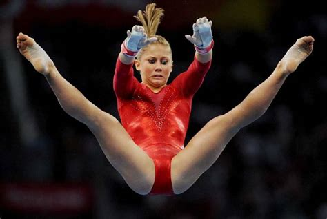 gymnast wardrobe malfunction gymnastics shawn johnson s wardrobe malfunction on the exercise floor