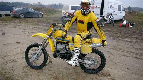 retro motocross sēnes jaunais suzuki rm 400 1981 www motospeci lv