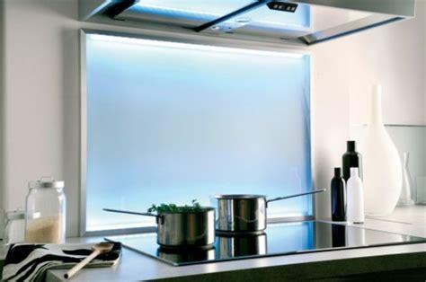 cr 233 dence de cuisine en verre satin 233 et lumi 232 re led