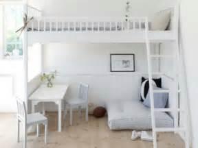 tisch für hochbett de pumpink hochbett selber bauen mit schrank