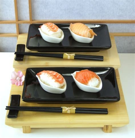 Sushi set charcoal black gloss finish with white leaf