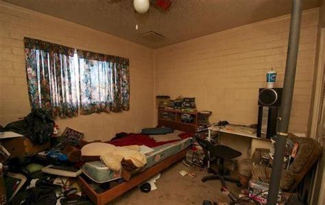 djpg  pixels cluttered bedroom bedroom