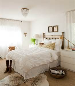 Gold And White Bedroom » New Home Design