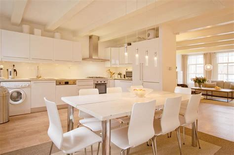 Kitchen And Dining Tables 25 Beautiful Kitchens With Dining Tables