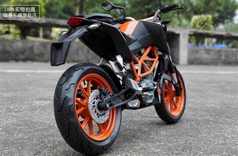 Ktm Duke 200 Black Orange Black 1 12 Scale Diecast Ktm Duke 200 Motorcycle