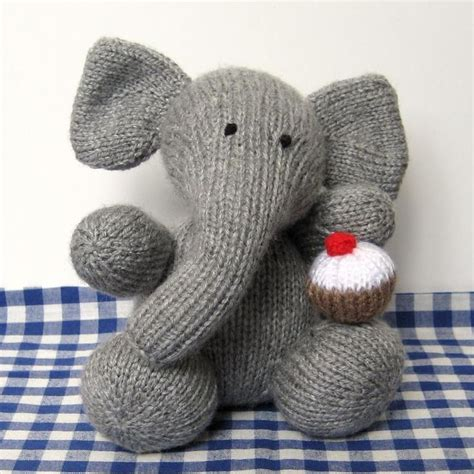 elephant knitting pattern 27 best images about knitting on circular