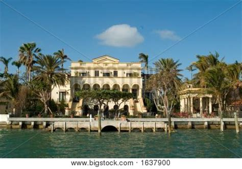 boat dealers spanish fort al yellow house by the sea image cg1p637900c