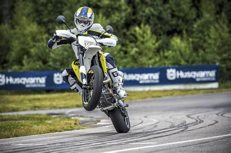 Motorrad Gabel Drehmoment by Husqvarna 701 Supermoto Test Action Details Zubeh 246 R