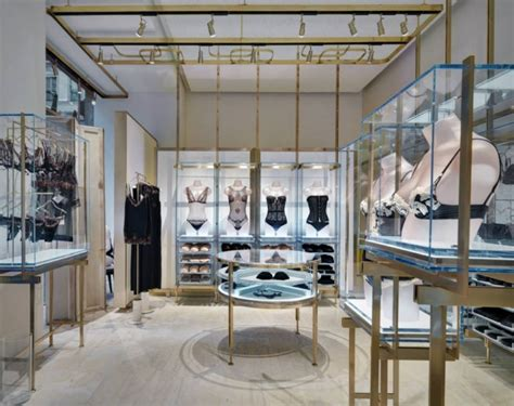 home design stores milan glamshops visual merchandising shop reviews la perla