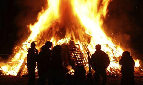 bonfire night around the world