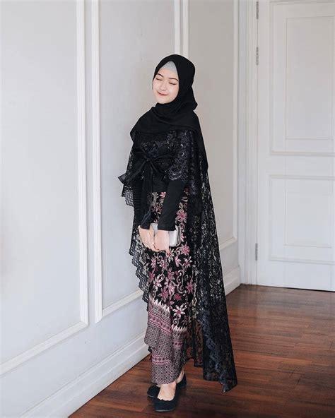33  Model Kebaya Brokat Modern 2019 (Mewah & Elegan