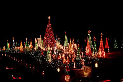 the best christmas light displays in atlanta