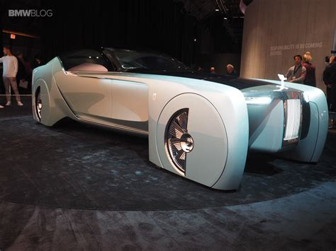rolls royce vision 100 rolls royce brings its highly futuristic concept car to
