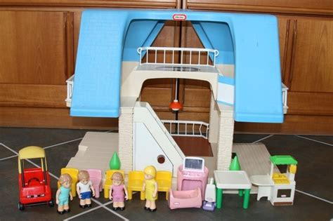 dollhouse 90s remember these 15 epic childhood toys from the 90s