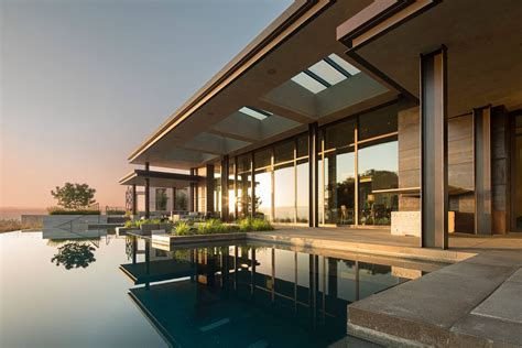 Modern Luxury Estate With Views Of The San Francisco Bay