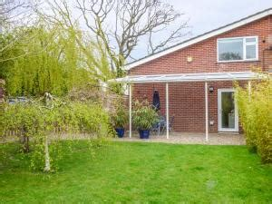 Self Catering Cottages Norfolk Broads by Norfolk Broads Self Catering Cottage End Retreat Wroxham