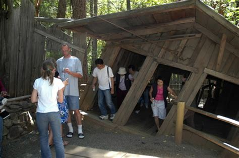 house of mystery oregon gold hill oregon oregon vortex house of mystery photo picture image