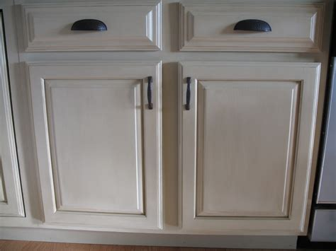 Painted Oak Kitchen Cabinets by Refinishing Cabinets A Simple Do It Yourself Task
