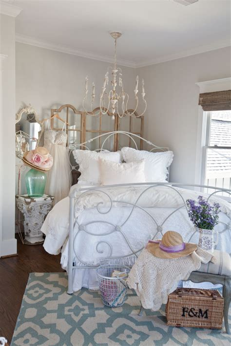 Bed In Corner Of Room by How To Use A Room Screen Cedar Hill Farmhouse