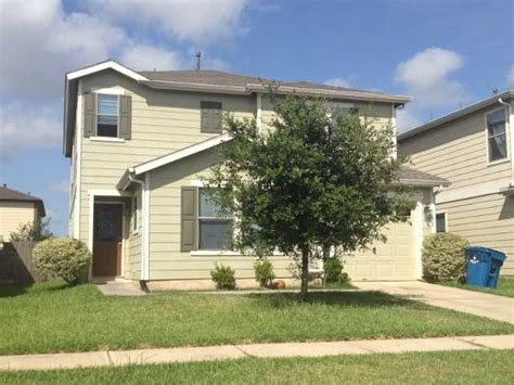 awesome foreclosure homes in houston on 12103 cedar gap ln