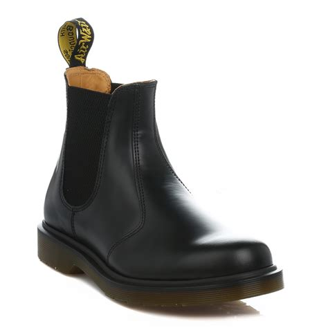 dr martens unisex black 2976 chelsea boots leather pull