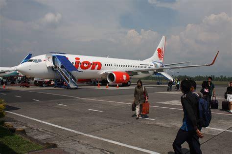 Cara Naik Pesawat Terbang Lion Air | pengalaman naik pesawat lion air anita handayani