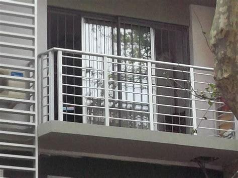 barandillas de balcones imagenes de barandas para balcones modernos fachadas de