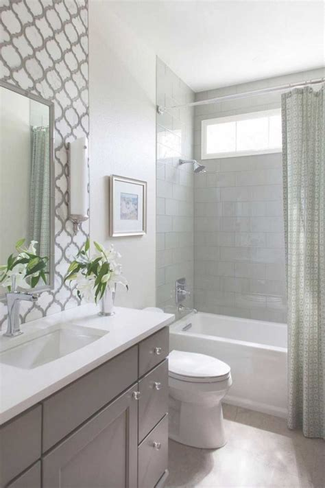 Ideas For Remodeling A Small Bathroom 25 Best Ideas About Small Bathroom Remodeling On