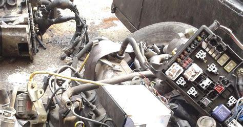 243 Tutup Delco Toyota Kijang Efi supplier mesin ex singapore sparepart mobil copotan ex