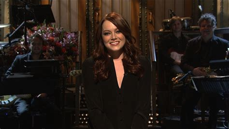 emma stone on snl watch monologue emma stone on attracting nerdy fans from