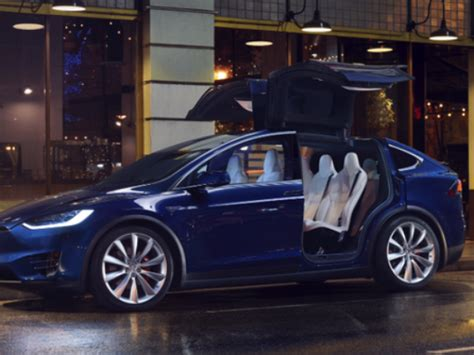 Who Makes The Car Tesla Model S Tesla Makes Its Cars Fast With Ludicrous Mode