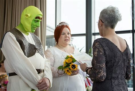 real life shrek wedding what a fairytale wedding couple tie the knot dressed as